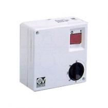 SCRRL 5  (5-stupňová regulace otáček, montáž na stěnu, tlačítko na zapnutí světla, max. Zátěž 250W, reverzibilní)